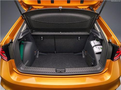 Предпросмотр skoda fabia (2022) багажное отделение
