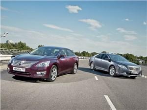 Nissan Teana и Toyota Camry Дежавю