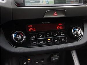 Kia Sportage 2014 климат-контроль