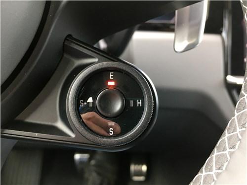 Предпросмотр porsche cayenne turbo s e-hybrid coupe 2020 руль
