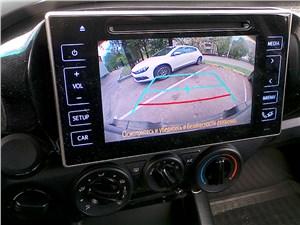 Toyota HiLux 2016 монитор