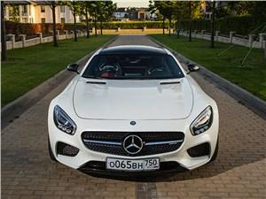 Mercedes-AMG GT S 2015 вид спереди