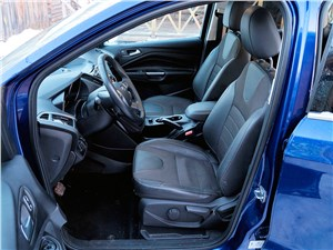 Ford Kuga 2013 передние кресла