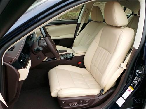 Lexus ES 200 2016 передние кресла