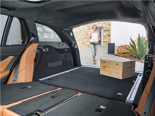Предпросмотр mercedes-benz e-class estate 2017 багажное отделение