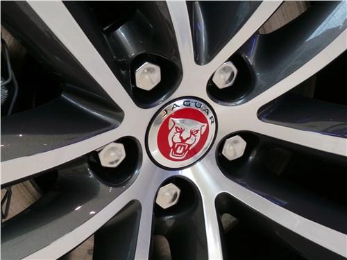 Jaguar F-Pace 2016 колесо