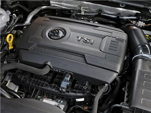 Skoda Superb Combi 2016 двигатель