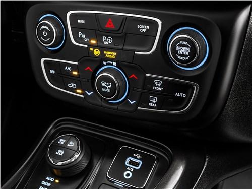 Предпросмотр jeep compass 2017 центральная консоль