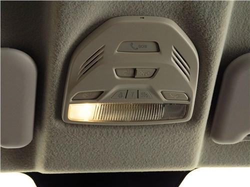 Lada Vesta 2015 плафон освещения