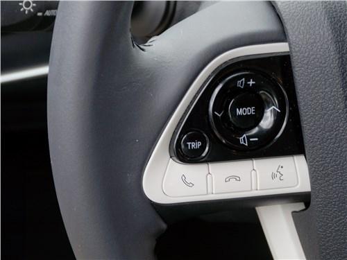 Предпросмотр toyota prius 2016 руль