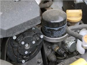 У необычного мотора и масляный фильтр расположен оригинально – «вверх ногами»