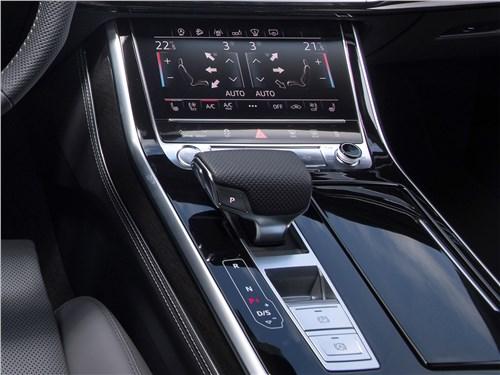Audi Q8 2019 центральный тоннель