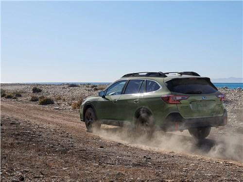 Предпросмотр subaru outback 2020 вид сзади