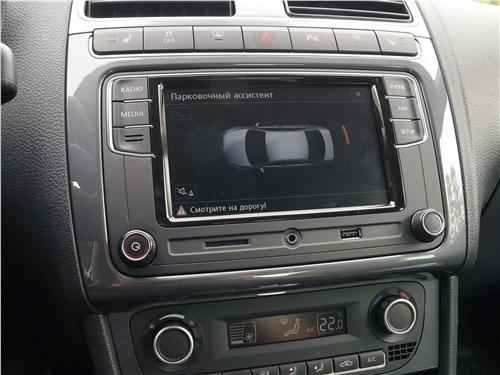 Volkswagen Polo Sedan 2016 центральная консоль