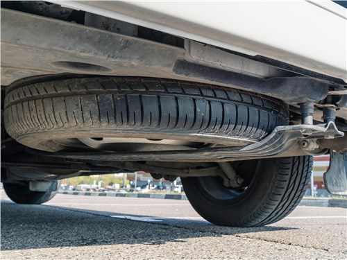 Volkswagen Caravelle 2015 запасное колесо
