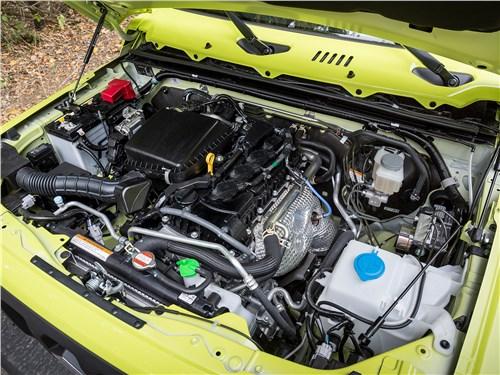 Suzuki Jimny 2019 моторный отсек