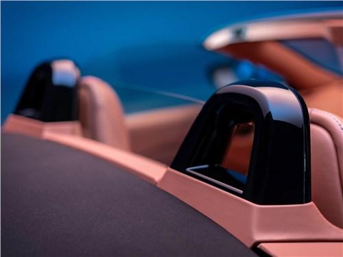 Предпросмотр aston martin vantage roadster 2021 подголовники