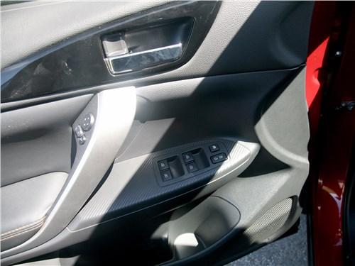 Mitsubishi Eclipse Cross 2018 дверь