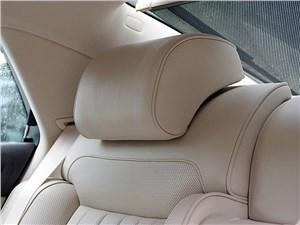 Volkswagen Phaeton 2011 подголовники задних сидений