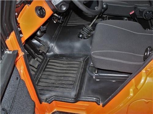 UAZ Hunter (2003) переднее кресло