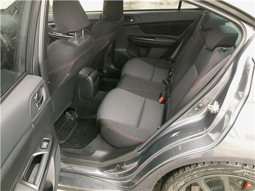 Subaru WRX Sport (2018) задний диван