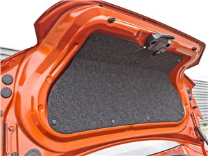 Toyota GT86 2012 крышка багажника