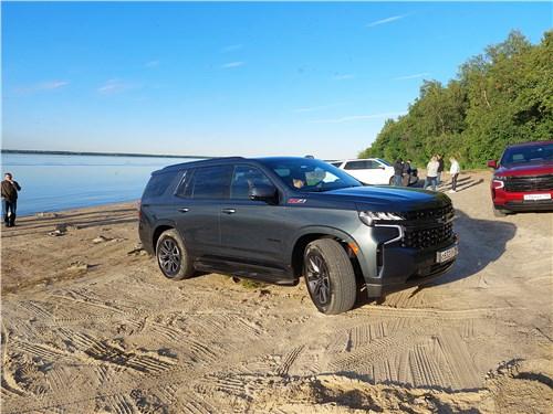 Chevrolet Tahoe (2021) вид сбоку