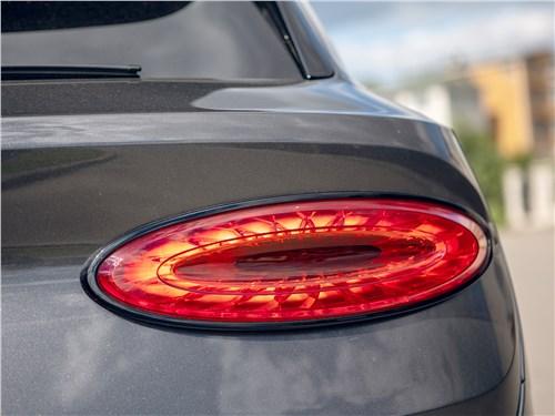 Bentley Bentayga (2021) задний фонарь