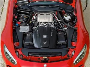Предпросмотр mercedes-amg gt 2015 двигатель