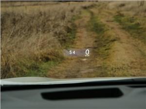 Lexus RX 450h F-Sport 2014 информация высвечивается на лобовом стекле