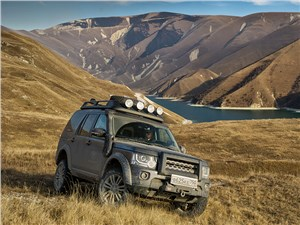 Land Rover Discovery - land rover discovery 4 2014 под сенью гор