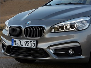 Предпросмотр bmw 2 series active tourer 2014 вид спереди фото 4