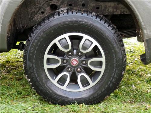 Fiat Fullback 2016 заднее колесо