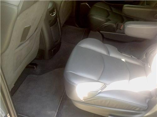 Cadillac Escalade 2015 второй ряд