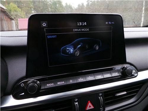 Kia Cerato 2019 центральный монитор