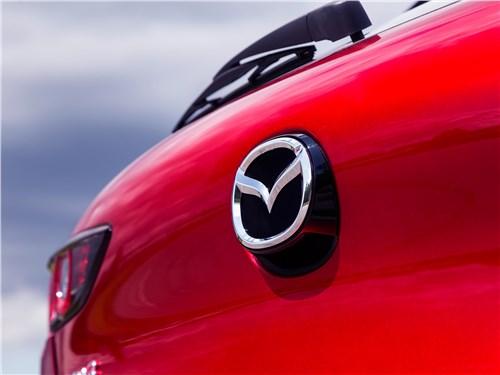 Mazda 3 2019 камера заднего вида