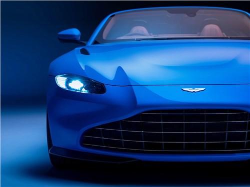 Предпросмотр aston martin vantage roadster 2021 вид спереди
