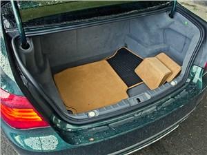 BMW 7 series 2013 багажное отделение