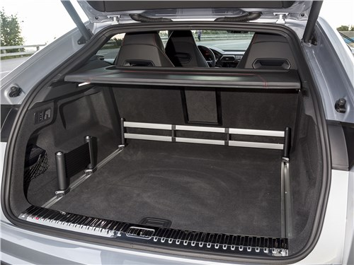 Lamborghini Urus 2019 багажное отделение