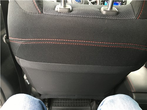 Subaru WRX Sport (2018) второй ряд