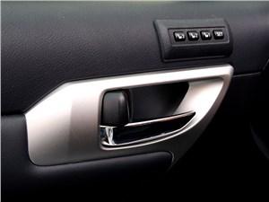 Предпросмотр lexus ct 200h 2011 внутренние ручки дверей