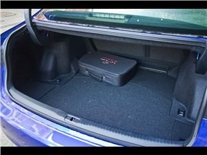 Предпросмотр lexus is fs 2013 багажное отделение