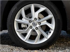 Nissan Sentra 2013 колесо