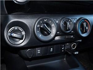 Toyota HiLux 2016 климатическая система
