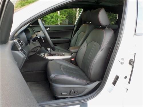 Kia Optima GT-Line 2016 передние кресла