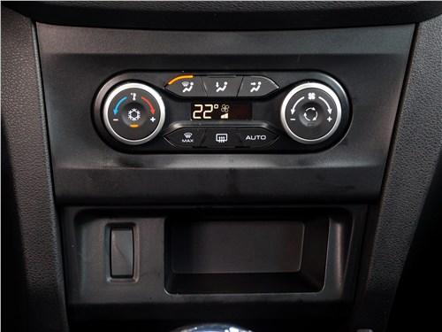 Lada XRay 2015 управление климатом