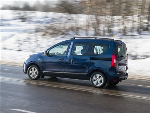Renault Dokker 2018 на трассе