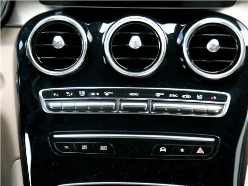 Mercedes-Benz GLC Coupe 2020 центральная консоль