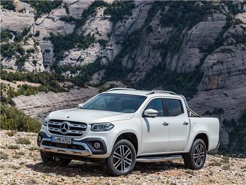 Автомобили Mercedes-Benz вновь отозвали в России