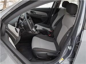 Chevrolet Cruze SW 2013 передние кресла